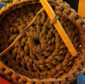 koerbchen-textilgarn-boden