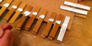 waescheklammern-mit acrylfarbe-anmalen