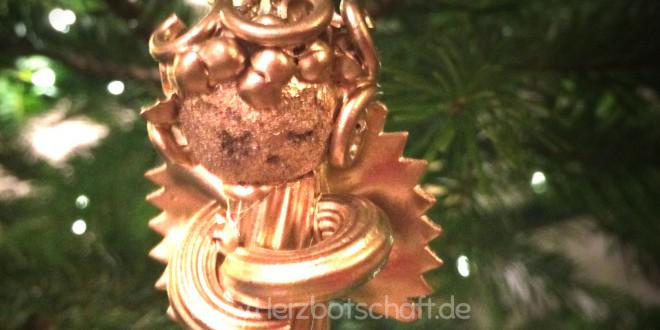 Engel aus Nudeln als Christbaumschmuck