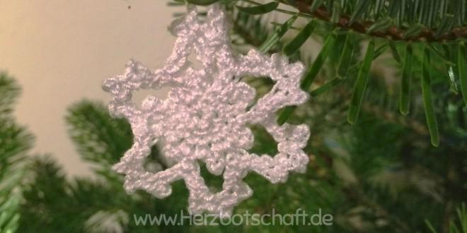 Gehäkelte Schneeflocken für den Weihnachtsbaum