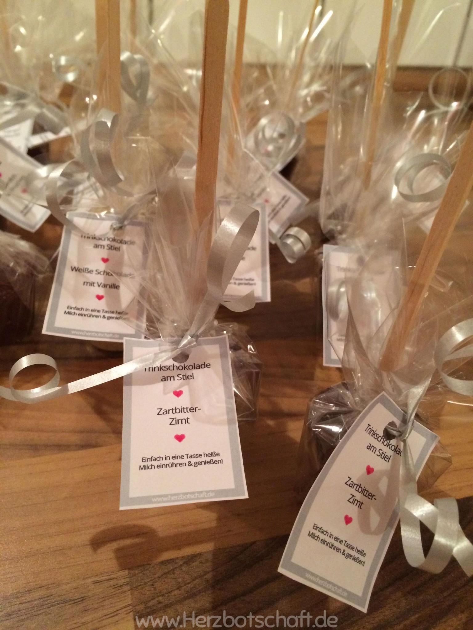 rezept und anleitung schokolade am stiel als geschenkidee. Black Bedroom Furniture Sets. Home Design Ideas