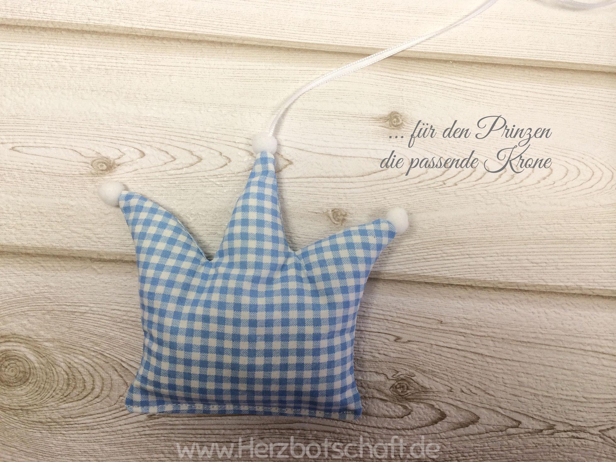 Genähte krönchen als babyzimmer deko   ♥ herzbotschaft.de