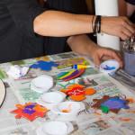 Hochzeitsspiel und Geschenk: Holzherz bemalen