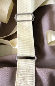 gurtband-in-schieber-einfaedeln-sporttasche