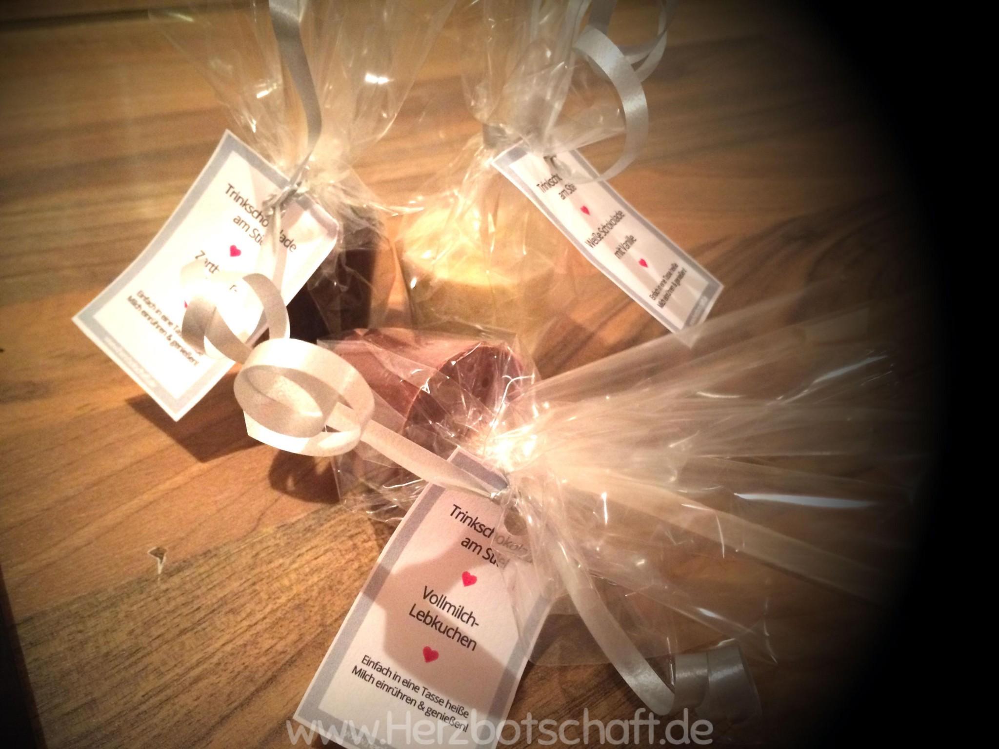 trinkschokolade-selbstgemacht-mit-etikett-verpackt