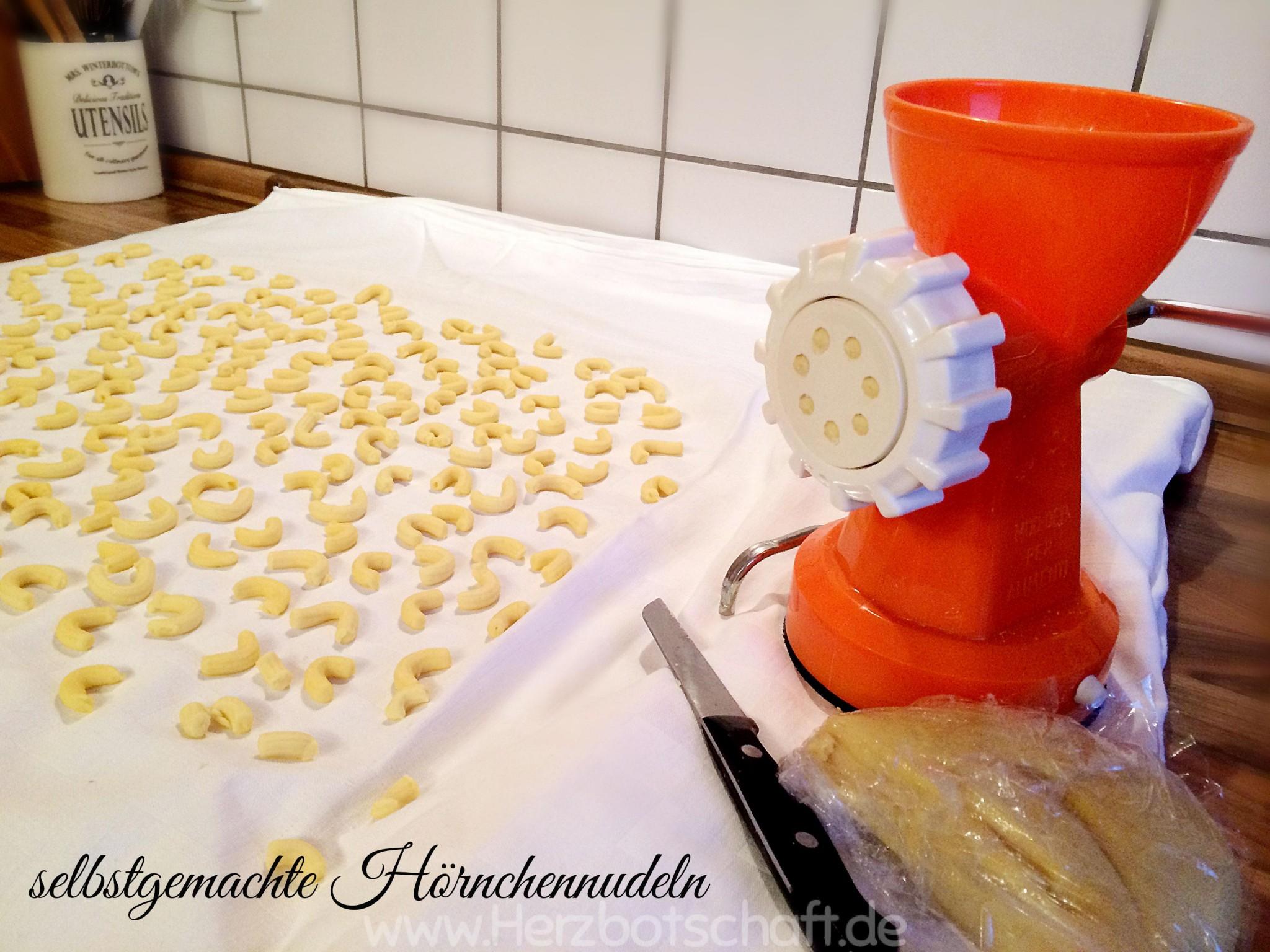 anleitung-selbstgemachte-hoernchennudeln-pasta