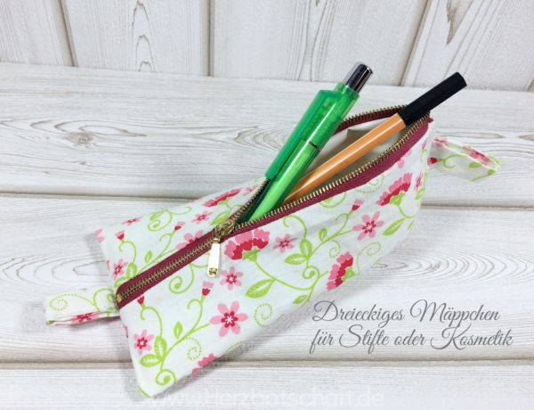 Dreieckiges Mäppchen für Stifte oder Kosmetik