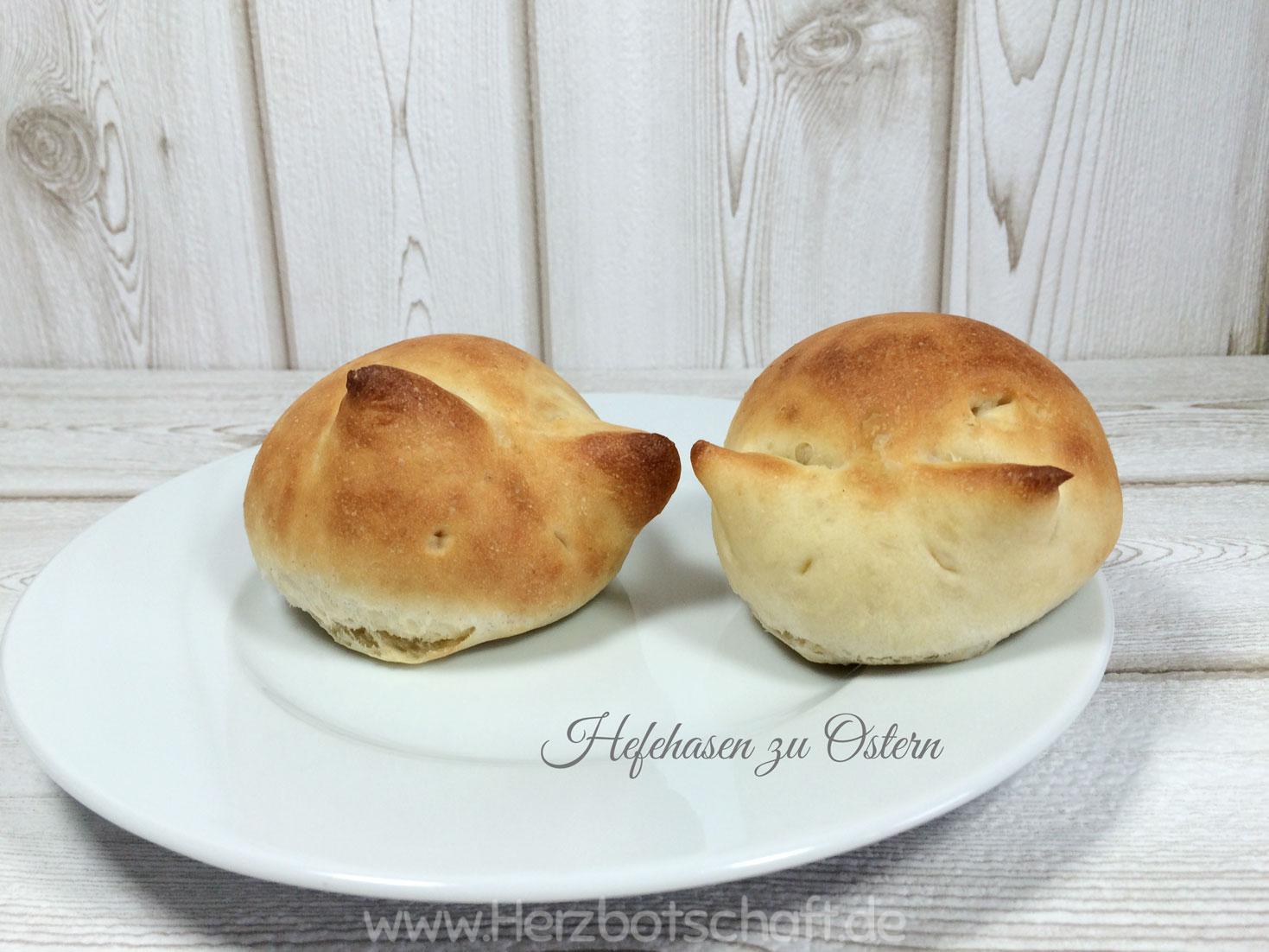 Süße Osterhäschen aus Hefeteig mit Nussfüllung