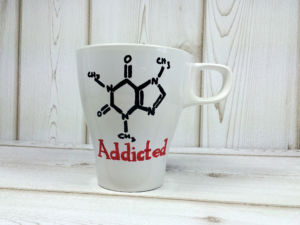 addicted-to-coffein-tasse-selbst-bemalt