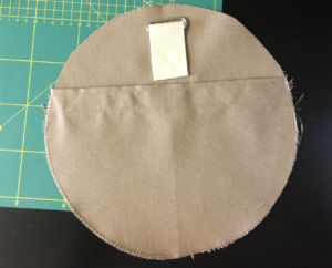 aufsatztasche-seitenteil-festnaehen-sporttasche