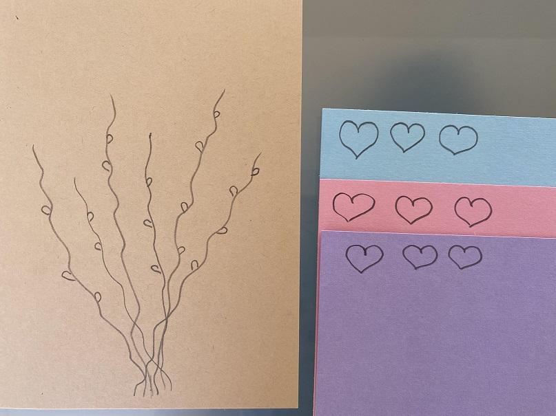 Selbstgebastelte Karte aus Tonpapier + Trockenstrauß